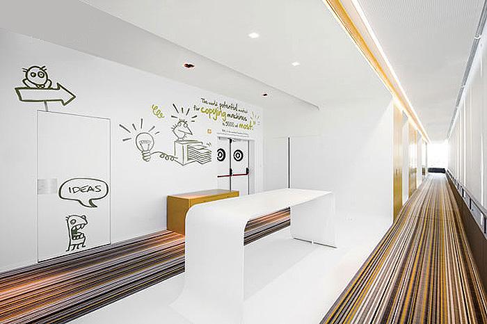 休闲活动办公区的创意墙面设计